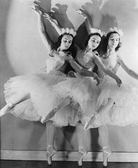 Ballet Russe de Monte Carlo performs The Nutcracker in 1940.