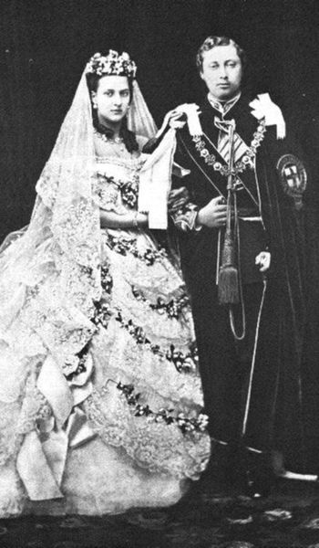 350px-King_Edward_VII_and_Queen_Alexandra_-_Wedding_-1863