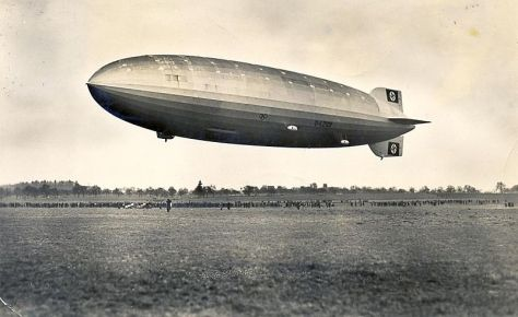 800px-Zeppelin_Postkarte_1936_aThe Hindenburg in March 1936.