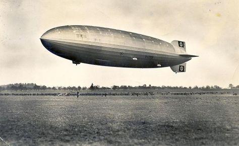 800px-Zeppelin_Postkarte_1936_aThe Hindenburg in March 1936.