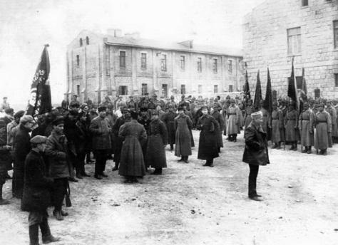 Красная_армия_в_Баку,_май_1920_гRussia invading Baku May 1920