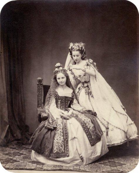 Portraits of participants of the 'MÄrchenball' von Jung-München in costume. 1862.2