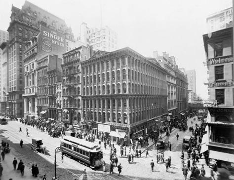 1906-Corner-of-Broadway-and-Cortlandt-Street
