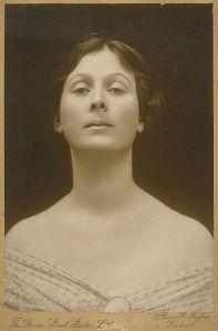 395px-Isadora_Duncan_portrait
