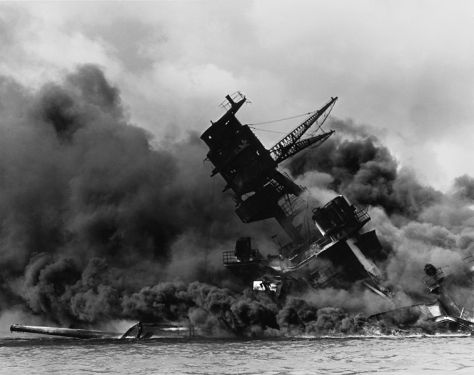 758px-The_USS_Arizona_(BB-39)_burning_after_the_Japanese_attack_on_Pearl_Harbor_-_NARA_195617_-_Edit