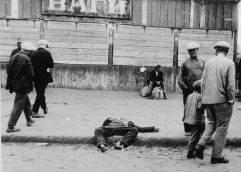 People drop dead in Ukraine's streets as Russia starves millions of Ukrainians to death in the genocide – Holodomor – of 1932-33.