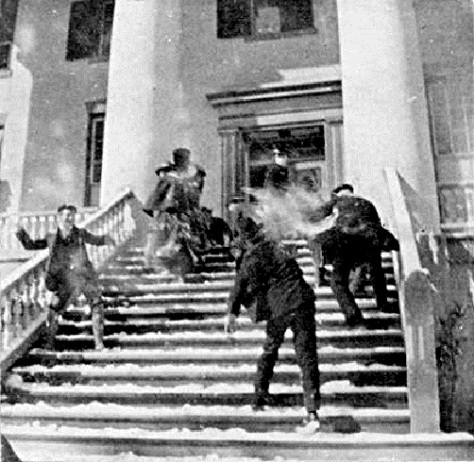 _Snowballing__(snowball_fight_on_the_steps_of_the_Florida_Capitol,_February_10_1899)