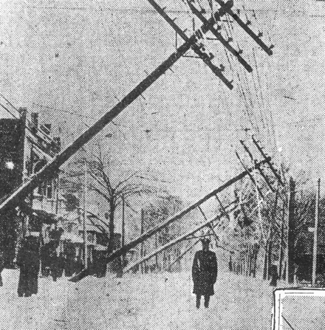 589px-Cleveland_blizzard_1913,_poles_down.pngE 105th St, Cleveland, Ohio, Nov 11, 1913.