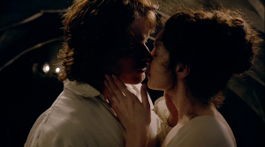 Outlander 1x07 The Wedding Jamie and Claire Kiss Sonya Heaney