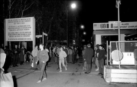 Berlin, Checkpoint Charlie, Nacht des Mauerfalls