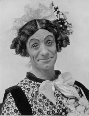 Dan Leno as a pantomime dame in Jack and the Beanstalk (1899). Openend on Christmas Day.