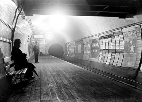 A London tube station circa 1900