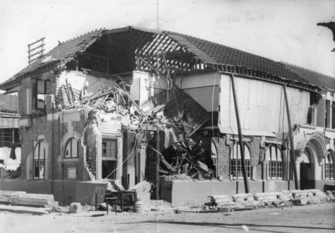 Hastings_Post_Office_1931Hastings, New Zealand post office damaged by the earthquake of 1931.