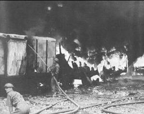 Japanese_air_raid_on_singapore_-_February_8_1942