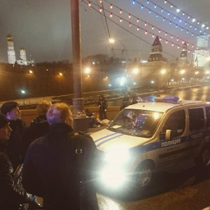Police at the place of Boris Nemtsov murder. - Copy