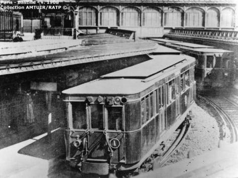 A train at Bastille station in 1908Sprague_Bastille_1908