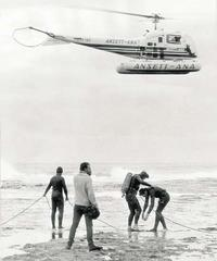 Navy divers search for Holt at Cheviot Beach, near Portsea, in 1967.