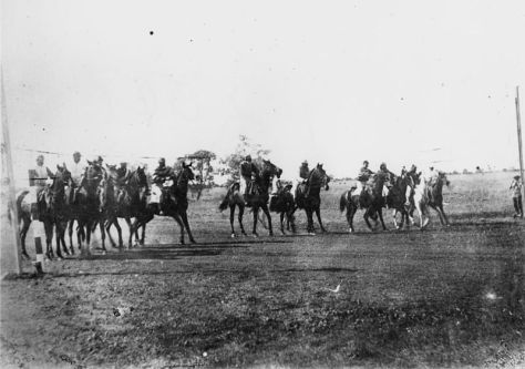 At the races in Winton, Queensland, Australia ca.1890.StateLibQld_1_47776_At_the_races_in_Winton,_Queensland,_ca_1890.