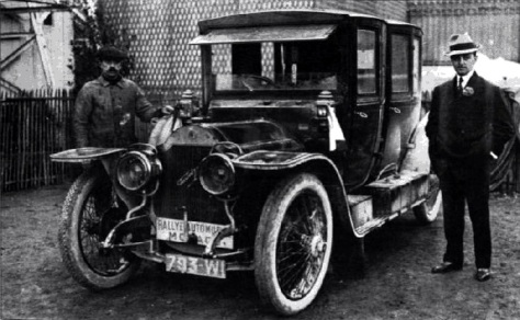 Henri_Rougier_and_the_25Hp_Turcat-Mery_before_the_inaugural_Monte_Carlo_rally. 1911.