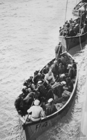 OFF CARNARVON, WA, 1941-11-27. GERMAN SURVIVORS FROM THE AUXILIARY CRUISER KORMORAN, WHICH HAD BEEN SUNK BY THE CRUISER HMAS SYDNEY, IN LIFEBOATSOF THE BRITISH MERCHANT VESSEL CENTAUR, WHICH TOWED THEM TO PORT.