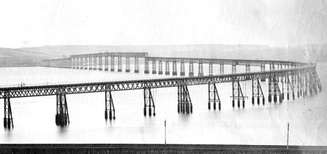 Original_Tay_Bridge_before_the_1879_collapseOriginal Tay Bridge before the collapse, seen from the north eith 1878 or 1879.
