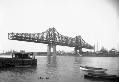 Queensboro Bridge under construction, on August 8, 1907.