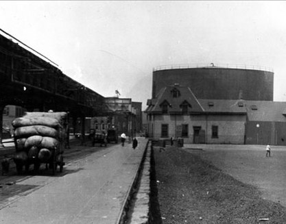 The molasses tank in the North End of Boston, before its explosion in 1919.