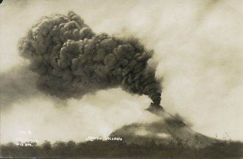 Mount Mayon in eruption on July 21, 1928.
