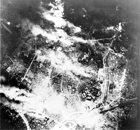 645px-Firebombing_of_TokyoTokyo burns under B-29 firebomb assault. May 26, 1945.