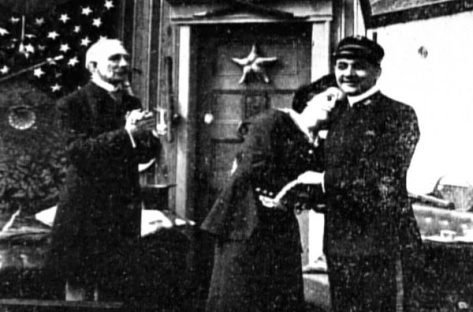 Saved_from_the_TitanicDorothy Gibson in Saved from the Titanic (1912). Alec B. Francis plays Father (left), Dorothy plays herself (centre) and John G. Adolfi plays Ensign Jack (right).