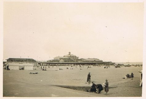 800px-GreatyarmouthGreat Yarmouth  dated 30 July 1930