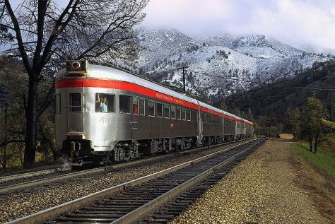 800px-Obs_car_walong_-_Flickr_-_drewj1946March 1971 San Joaquin Daylight Southern Pacific Railway