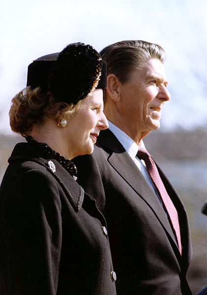 421px-thatcher_-_reagan_c872-9british-leader-margaret-thatcher-and-us-president-ronald-reagan-watch-the-changing-of-the-guard-at-the-white-house-on-the-26th-of-february-1981