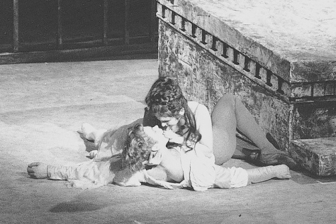 christopher-gable-and-lynn-seymour-as-kenneth-macmillans-original-romeo-and-juliet-1965