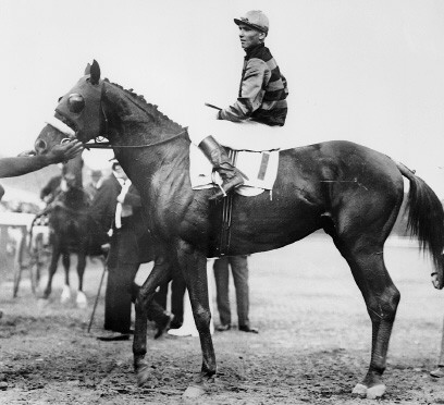 sirbarton-johnny_loftus-1919preaknesssir-barton-and-jockey-johnny-loftus-1919-preakness-stakes-date-14-may-1919