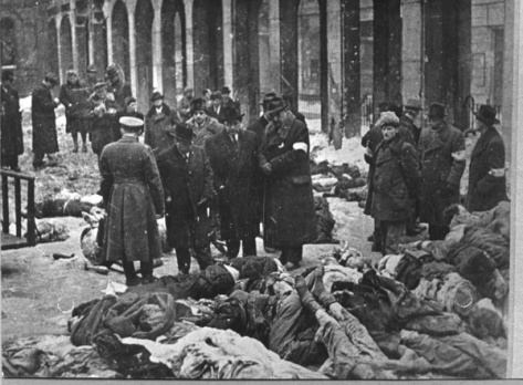 holocaust-arrowcross-dohanysynagogue-hungarian-history-fascists