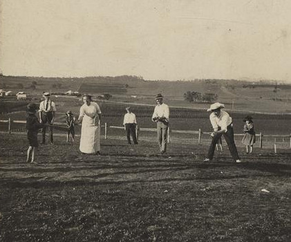 game-of-rounders-on-christmas-day-at-baroona-glamorgan-vale-1913