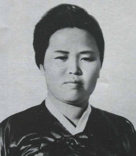 Kim_Jeong_Suk_1 North Korea in 1945 Korean anti-Japanese guerrilla, a Communist activist, North Korean leader Kim Il-sung_s first wife, Aged 25