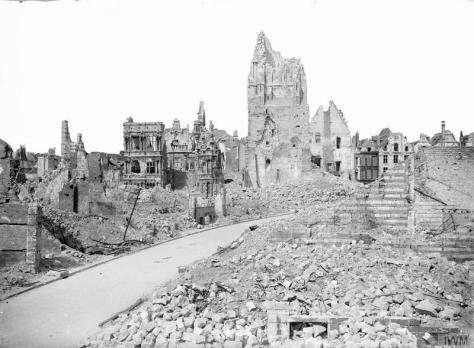 Ruins_of_the_Hôtel_de_Ville,_Arras_on_26_May_1917 Ruins of the Hôtel de Ville, Arras on 26 May 1917.