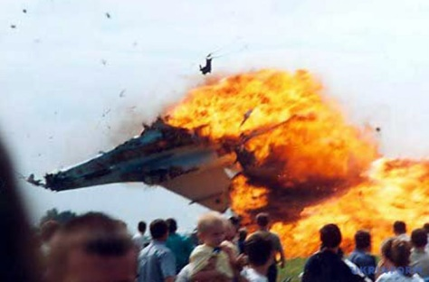 OTD in 2002, the #Sknyliv airshow disaster occurred near Lviv. A Su-27 crashed into the crowd killing 77 incl 23 children. 543 were injured. Ukraine.
