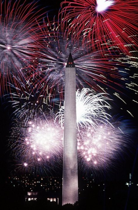 The Washington Monument on the 4th of July, 1986.