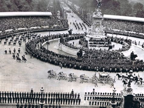 The Coronation of George VI, The Mall, 12 May 1937. The Royal Coach left for Westminster Abbey for the Coronation of King George and Queen Elizabeth. Picture taken from the roof of Bucki