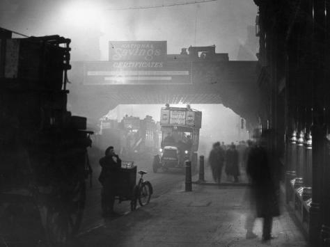 1922-London-Fog November 1922 Fog at Ludgate Circus, London.