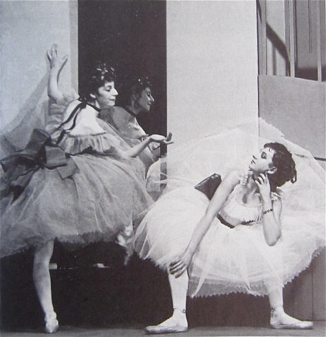 foyer-de-danse Alicia Markova, seen here at left in Frederick Ashton_s Foyer de Danse at the fledgling British company Ballet Club (1932).