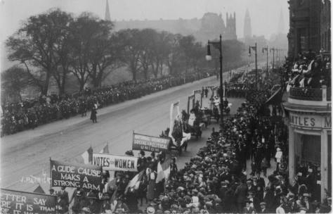 _The_Great_Procession_and_Women's_Demonstration_,_1909_on_Princes_Street,_EdinburghThe Great Procession and Women's Demonstration - Edinburgh. 9th October 1909. Scotland. Women's Suffrag