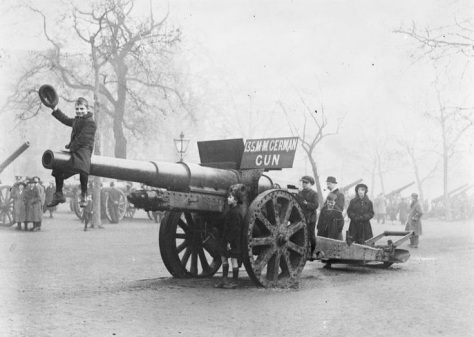 The_Mall_(13962686919)These images were taken in London in early November of 1918, as the First World War drew to a close. Captured German field guns were put on display along the Mall,