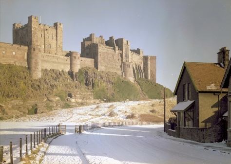 Bamburgh_Castle,_1959_(16130432227)Bamburgh Castle, Northumberland, in snow in January 1959 Vintage England Britain