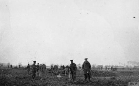 The_Christmas_Truce_on_the_Western_Front,_1914_Q5072025th December 1916 British and German troops meet in No-Man's Land to bury their dead during an unofficial truce on Christmas Day. Fi