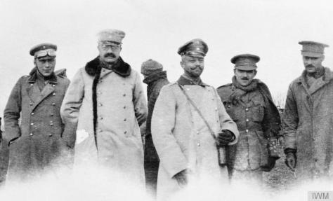 The_Christmas_Truce_on_the_Western_Front,_1914_Q50721British and German officers meeting in No-Man's Land during the unofficial truce. (British troops from the Northumberland Hussars, 7t