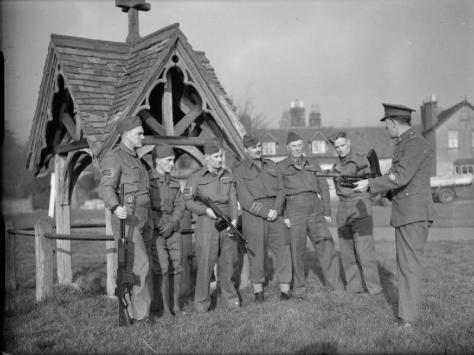The_Home_Guard_in_the_Second_World_War_H5848Members of the Home Guard receive instruction on the Bren light machine-gun, on the green at Dorking, Surrey, 1 December 1940. England Britain